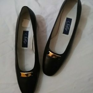 Selby black leather flats-sz 7